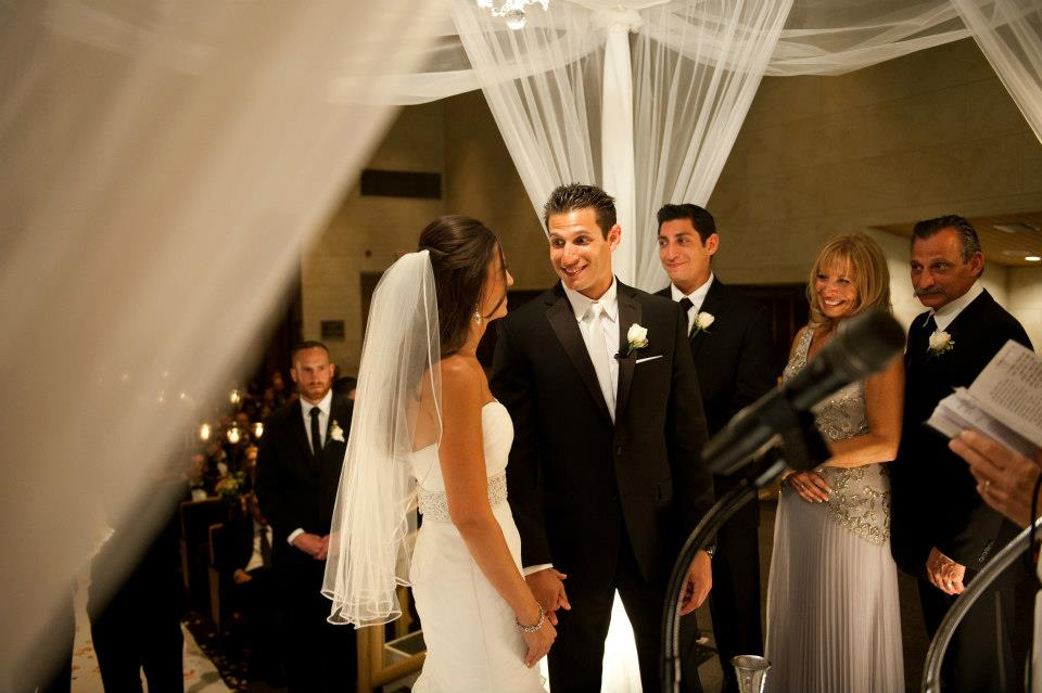 Jewish wedding ceremony in temple solel