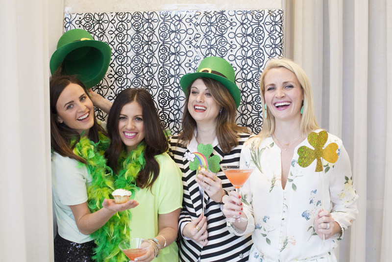 St. Patrick's Day DIY photobooth, DIY photo booth
