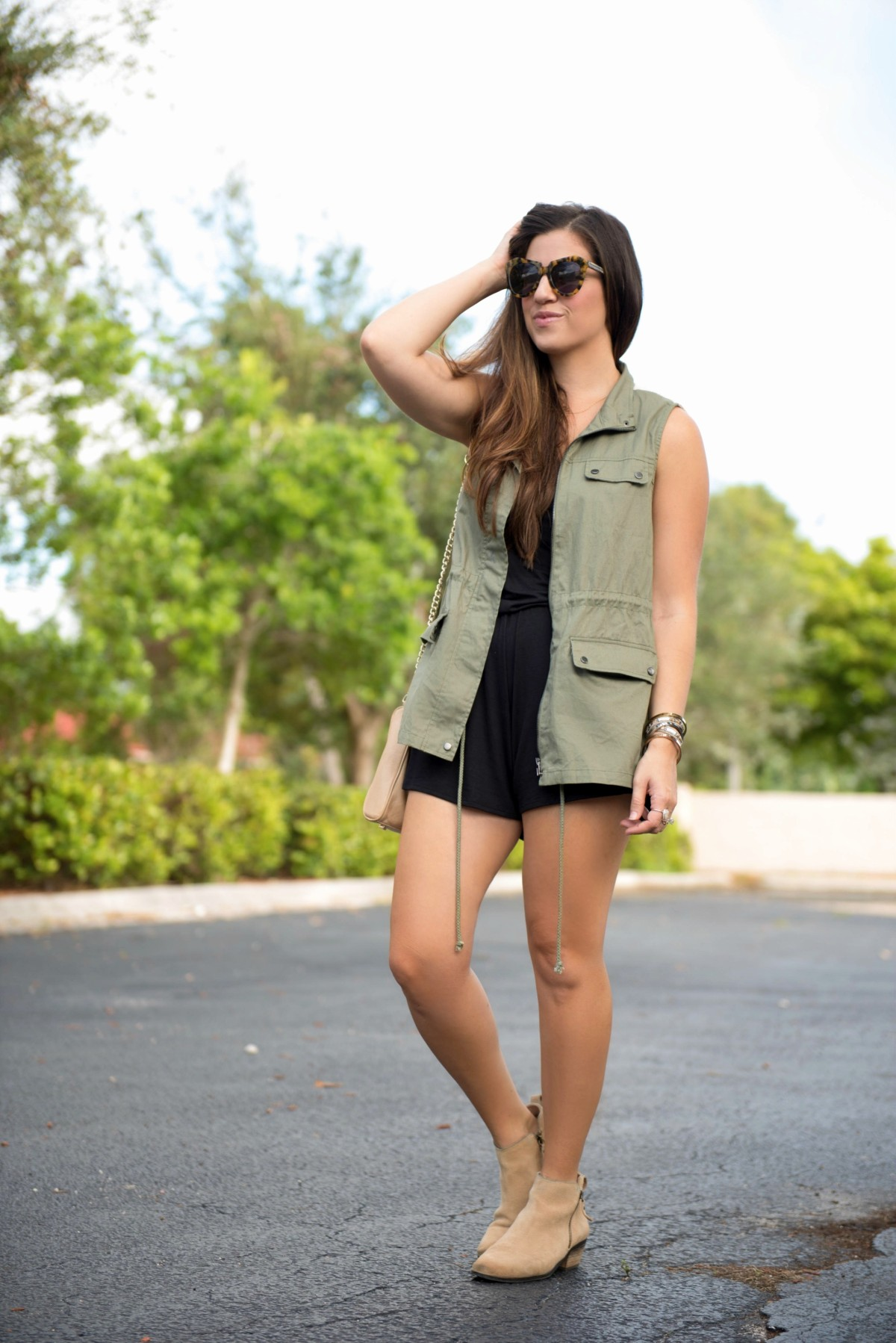 best way to style a utility vest for fall, jaime cittadino, shop riffraff, olive aztec vest