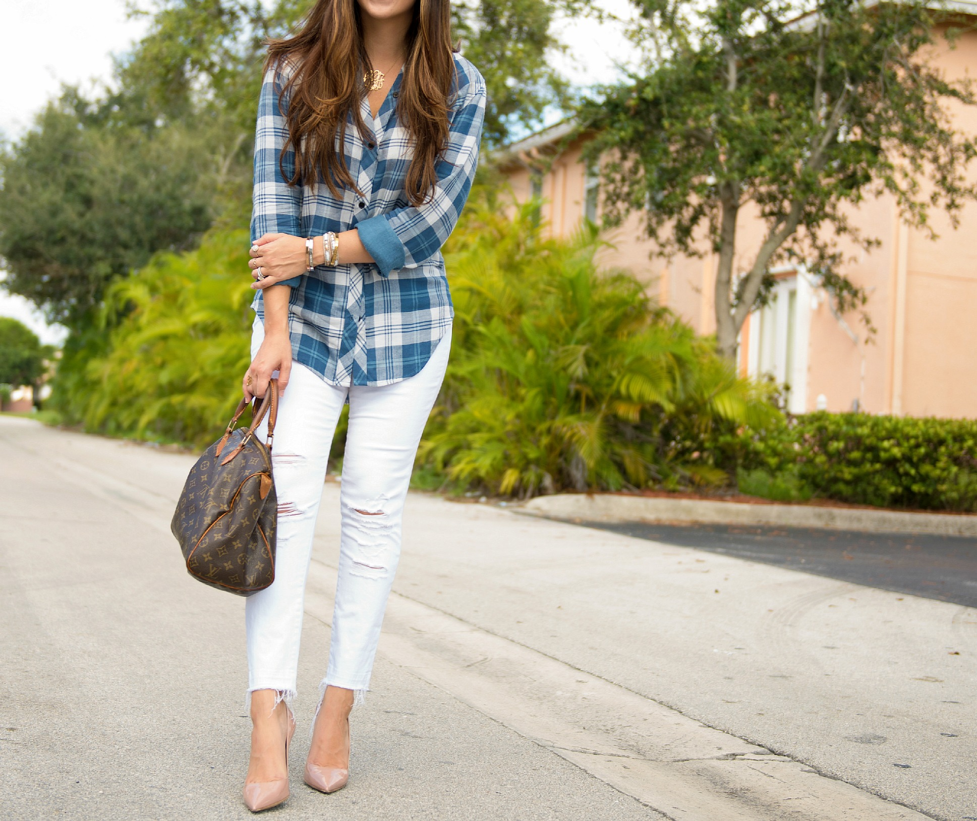 blue plaid, white jeans, jaime cittadino, sunflowers and stilettos, bachi frost photography., florida blogger