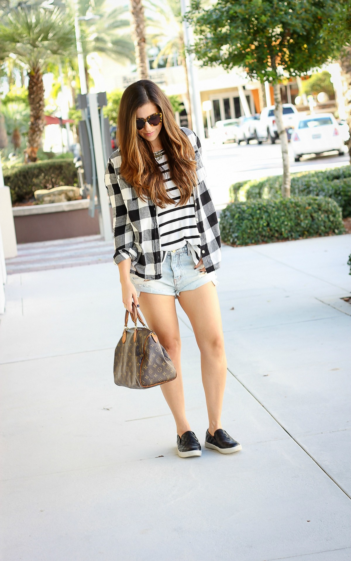 how to dress for Fall in the South, black and white pattern mixing, black and white stripes and plaid