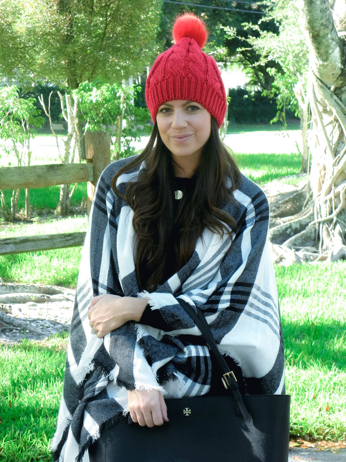 how to style beanie hat, cute winter outfit
