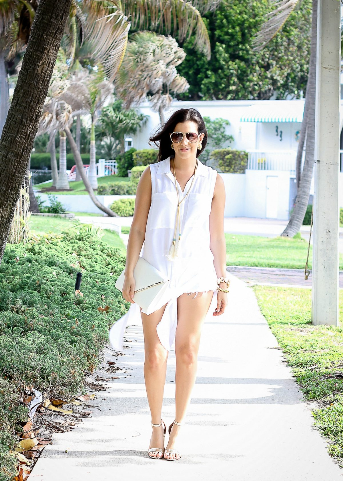 White on White Summer look, beach chic outfit