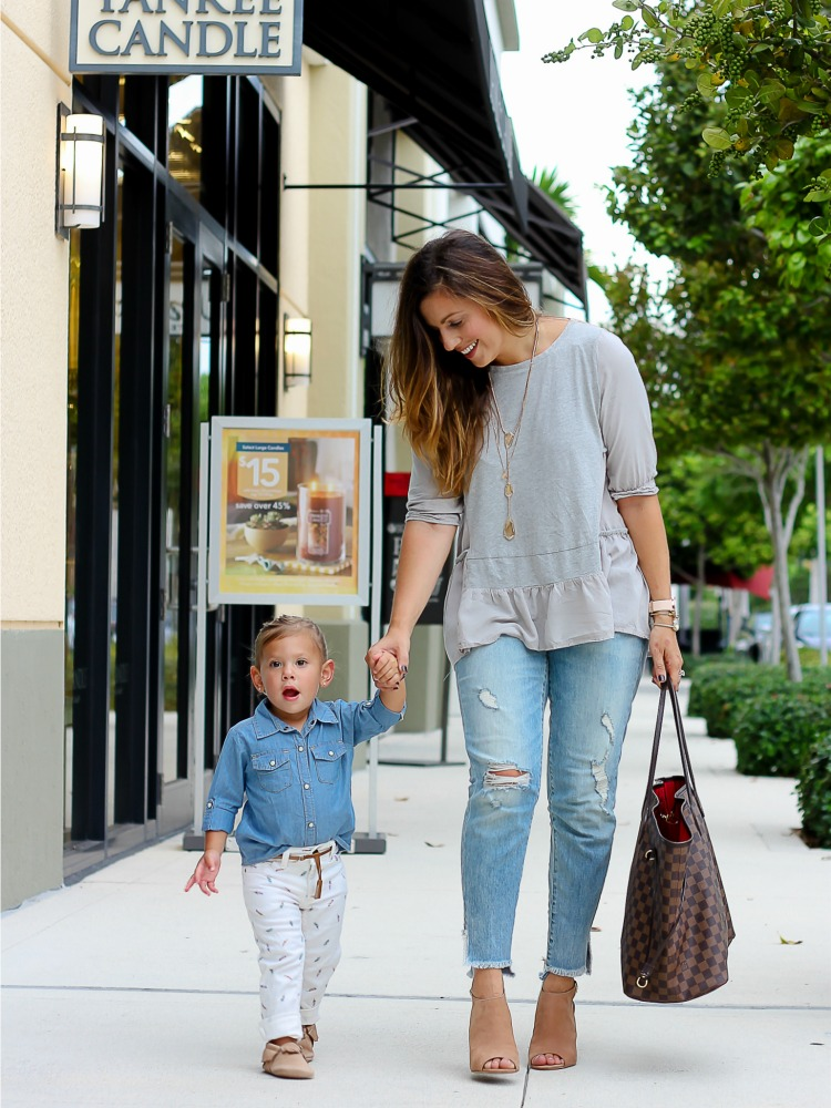 Mommy and Me fashion baby blogger Jaime and Harley Cittadino wearing Freshly Picked Moccasins