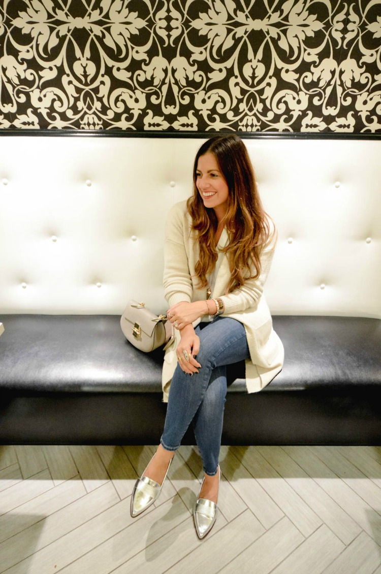 Fashion and Travel blogger, Jaime Cittadino of Sunflowers and Stilettos at the Courtyard Boston Downtown.