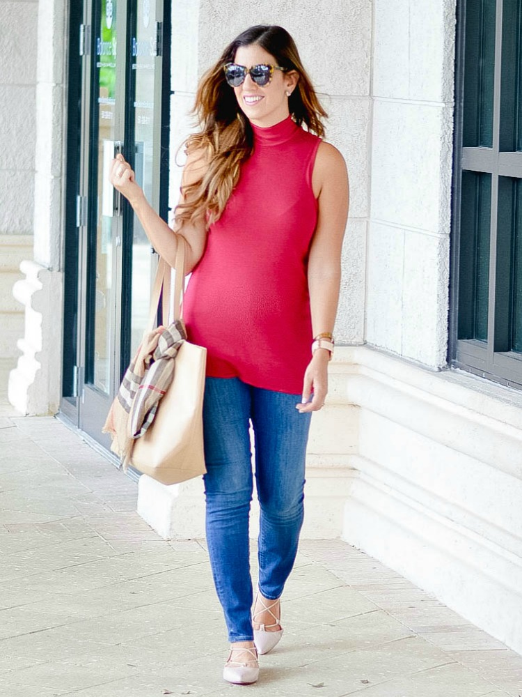South Florida fashion blogger, Jaime Cittadino of Sunflowers & Stilettos wearing the perfect fall outfit for hot weather.