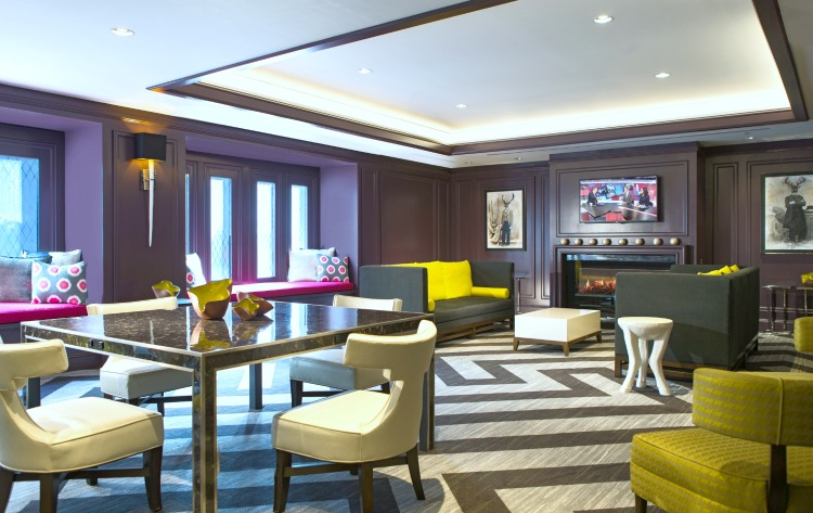 A review of the Courtyard Boston Downtown hotel by Jaime Cittadino, travel blogger of Sunflowers and Stilettos blog.