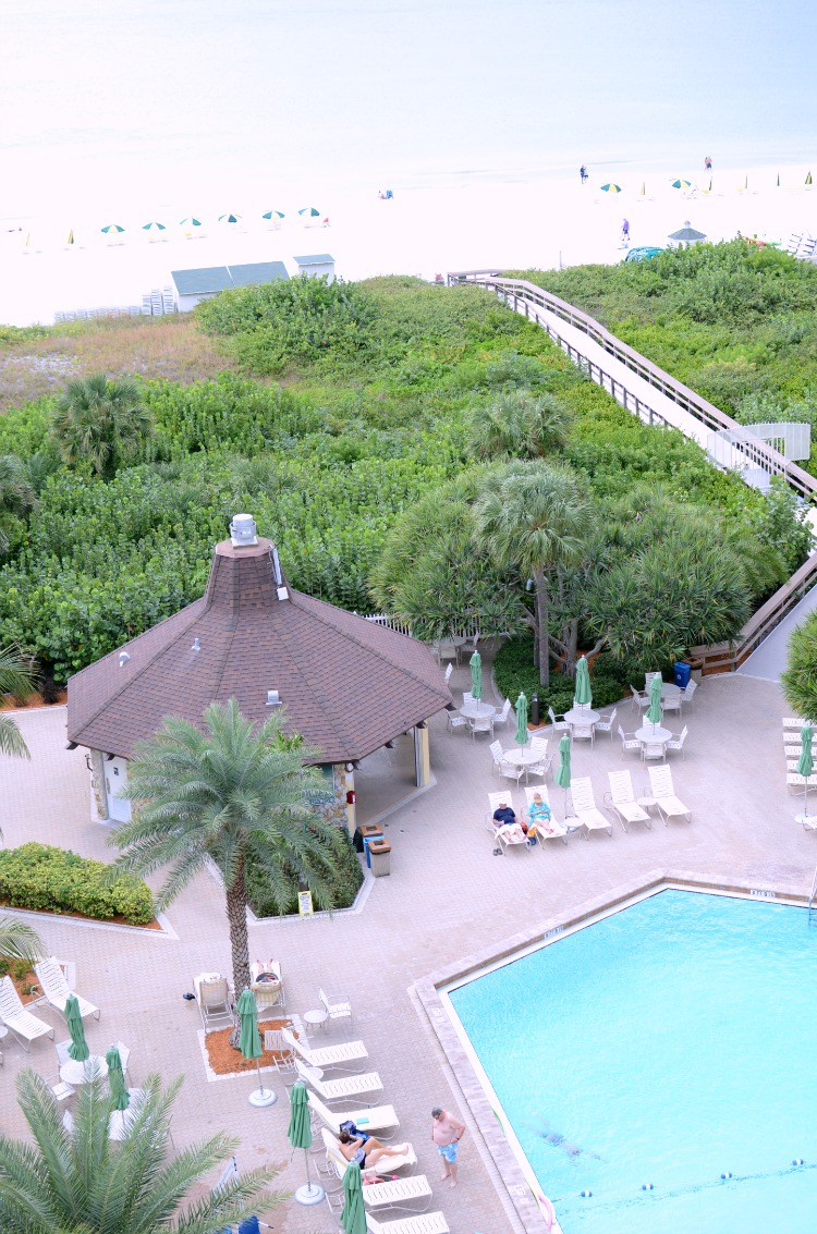 Charter Club Marco Beach resort