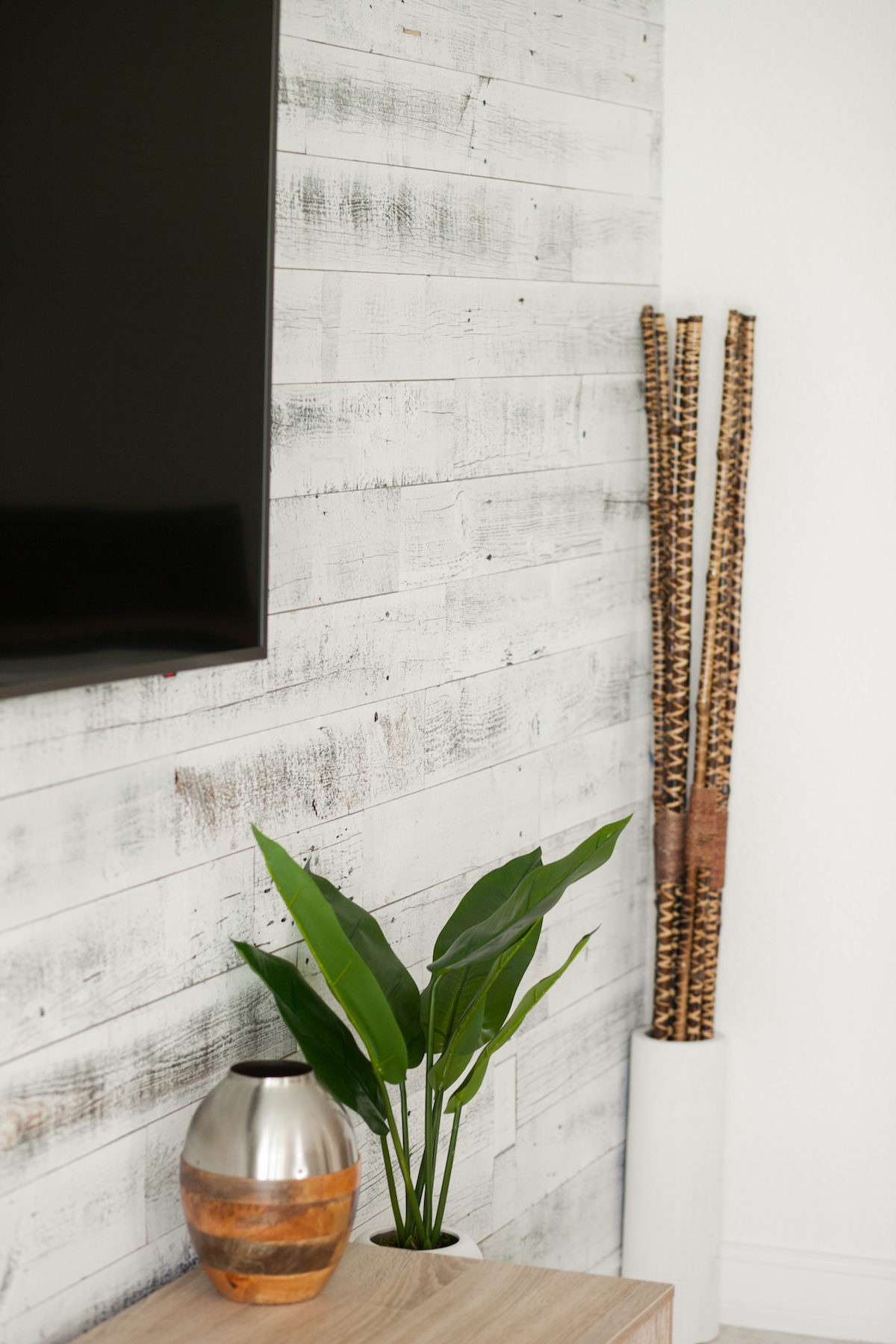 Living Room Decor :: African Accents :: Stikwood Wall