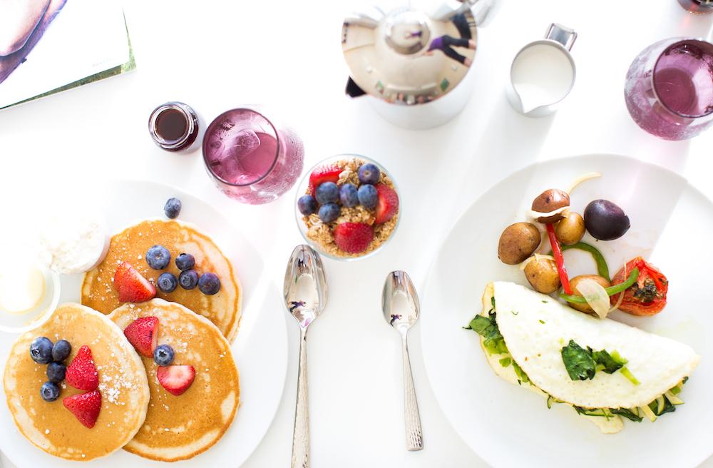 Eden Roc Miami Resort Breakfast in bed