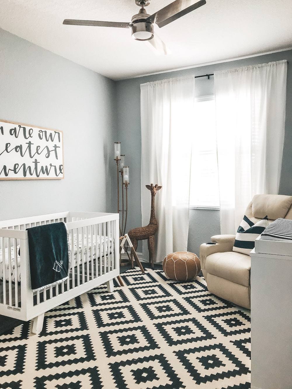 Baby Boy Room Design Pictures: Elie's Black And White Modern Nursery