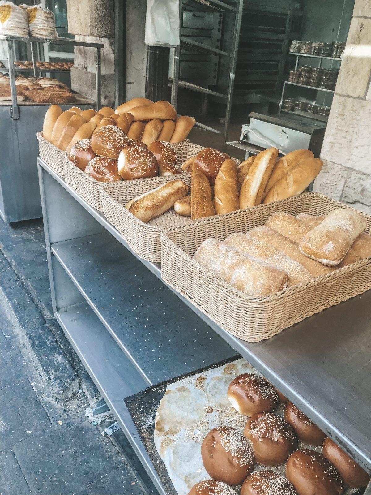 Jerusalem bread, Jerusalem market