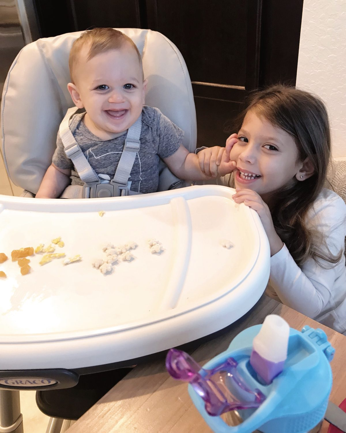 Introducing solids to infants, infant feeding, 9 month old feeding , Sunflowers and Stilettos Florida Motherhood blog